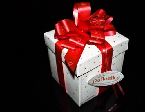 Confetteria Raffaello Gift Box